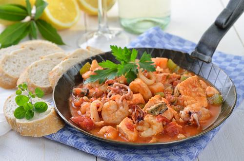 Receta de calamares en salsa con patatas