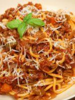 Receta de espaguetis con tomate y carne