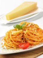 Receta de espaguetis con tomate y queso