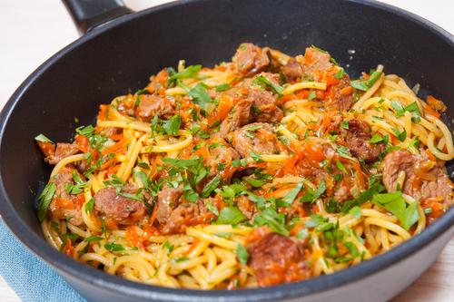 Receta de espaguetis con verduras y carne