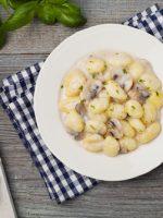 Receta de ñoquis con salsa de champiñones