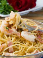 Receta de espaguetis con gambas y gulas