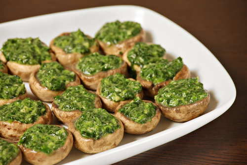 Receta de espinacas salteadas con setas for Espinacas como cocinarlas
