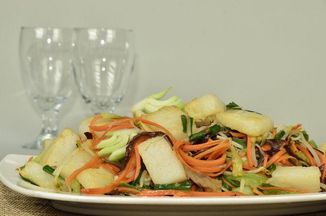 Receta de ensalada de patata con remolacha