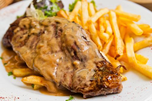 Receta de asado de carne con patatas