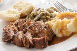 asado de carne con puré