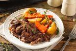asado de carne con verduras