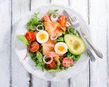 ensalada de aguacate y salmon ahumado