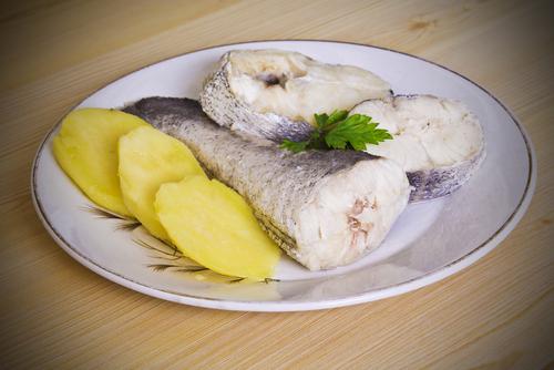 Receta de merluza a la gallega con patatas