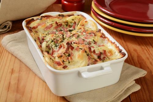 Receta de patatas al horno gratinadas con jamón y queso