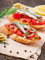 Receta de canapés de anchoas y tomate