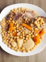 Receta de cocido de garbanzos asturiano
