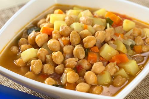 Receta de cocido de garbanzos con verduras
