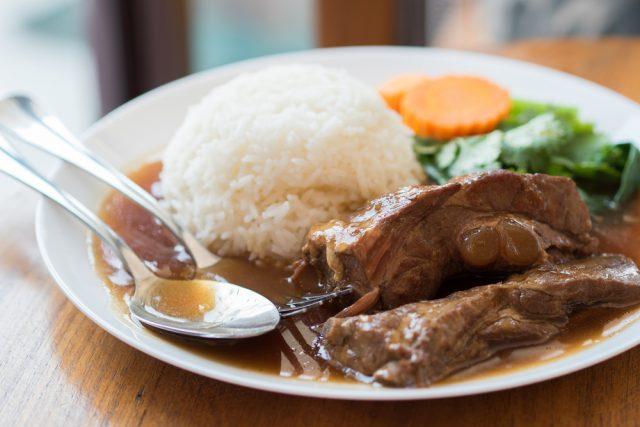Receta de costillas adobadas con arroz