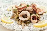 alcachofas con almejas y calamares