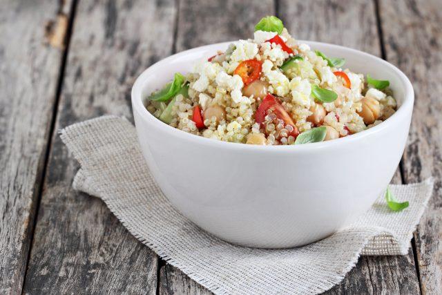 Receta de ensalada de quinoa y verduras