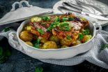 pavo al horno con patatas y cebolla