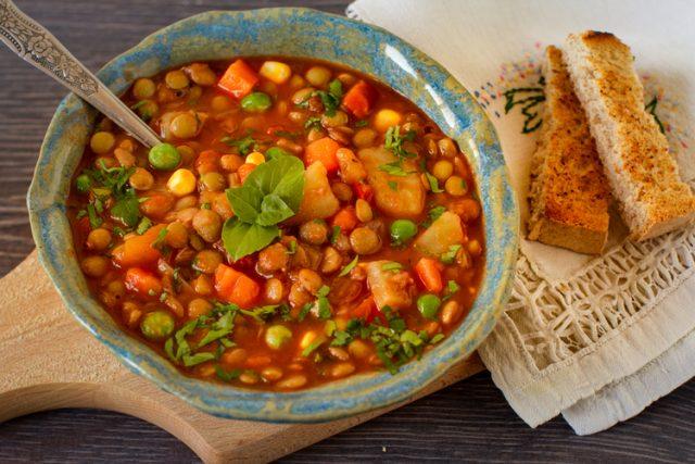 Receta de potaje de lentejas con verduras for Que cocinar con verduras