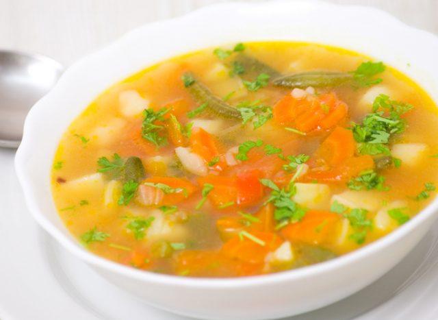 Receta de sopa de verduras vegana