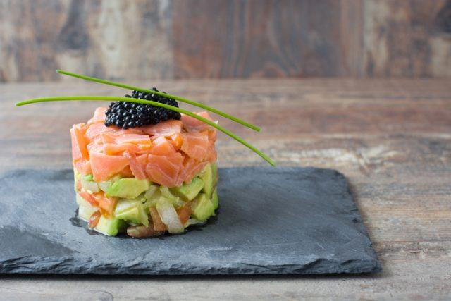 Receta de tartar de salmón con aguacate