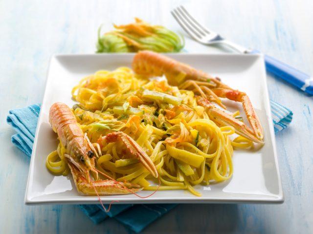 Receta de cigalas en salsa marinera  Recipe of crayfish in seafood sauce Cigalas en salsa marinera 640x479