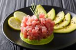 tartar de salmón estilo japonés