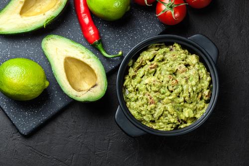 Receta de guacamole con atún