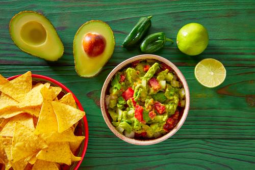 Receta de guacamole con tomate