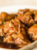 Receta de manitas de cerdo en salsa de callos