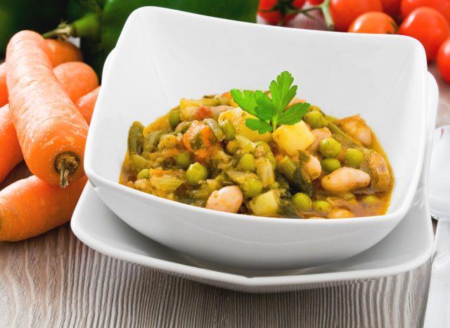Receta de alubias con verduras y arroz