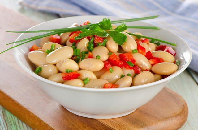 Receta de alubias con verduras y jamón