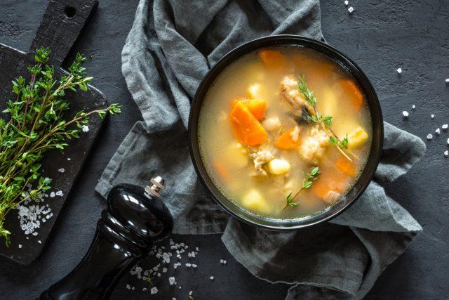 Receta de caldo de pescado con verduras
