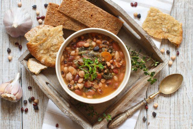 Receta de potaje de verduras y alubias