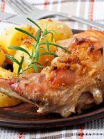Receta de conejo al horno con patatas y vino blanco