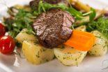 carrilleras de cerdo en salsa de verduras