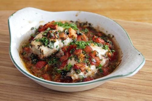 Receta de atún con tomate al horno