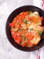 Receta de atún encebollado con vino blanco