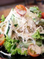 Receta de ensalada de atún y palitos de cangrejo