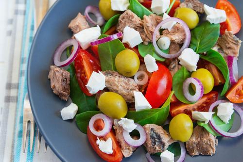 Receta de ensalada de espinacas y atún