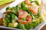 ensalada de espinacas con salmon