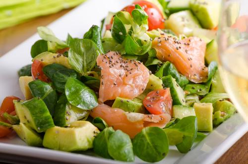 Receta de ensalada de espinacas con salmón
