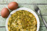 tortilla de esparragos y ajos tiernos