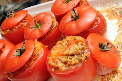 Receta de tomates rellenos vegetarianos