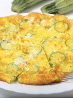 Receta de tortilla de calabacín y ajos tiernos