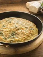 Receta de tortilla de ajos tiernos y puerros