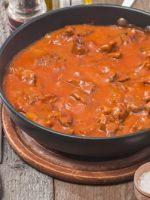 Receta de ternera en salsa de tomate