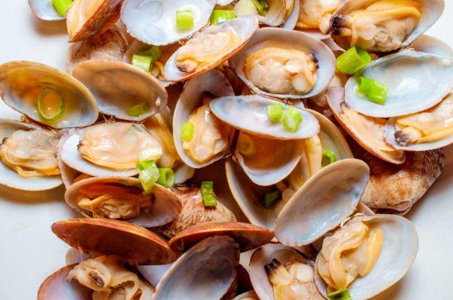 Receta de almejas al vapor con cebolla